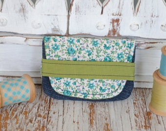 Card holder, small wallet made from recycled fabrics credit cards health cards fidelity eco-friendly eco-design flower denim teal green