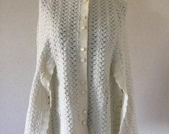 Vintage 60s White Knit Cape