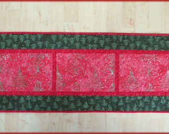 Quilted Christmas Table Runner Quilt Christmas Tree Batik 527