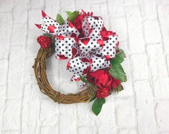 Valentine Wreath, Valentines Day Wreath, Valentines Wreath, Valentine Door Decor, Valentine Door, Valentine Door Wreath, Sale, Wreath Sale