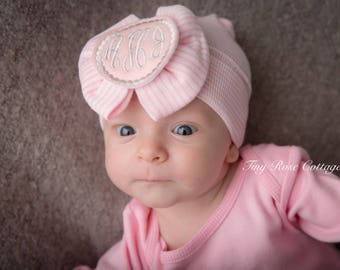 Monogrammed Newborn Hospital Hat, Baby Girl hat with Bow, Baby Boggans, Beenie, Monogrammed baby Hat, personalized, Custom