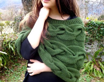 Green poncho, khaki green poncho, khaki capelet, green shawl, green stole, khaki bride poncho, bridesmaid clothing, bride capelet
