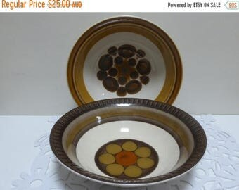 Price is for 2 Electra Large Round Vegetable / Salad Bowls made by Casual Ceram.  Great 70s patterns!