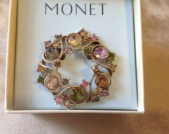 Monet wreath brooch