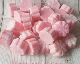STRAWBERRY SOY MELTS, Pink Melts, Strawberry Melts, Fruity Melts, Wax Melts, Strawberry Wax Melts, Vegan, Home Fragrance, Handmade in U.K