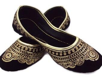 Free Shipping Stunning Golden Thread Embroidery Handmade Beautiful Party Wear Work Mojari Women Fashion Flats Khussa shoe Juti Jooti Juti