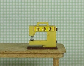 Doll house Lundby 1970s vintage sewing machine plastic