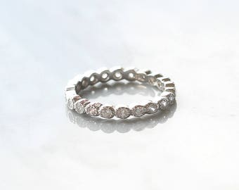 R1021 - New Crystal All Around Band Size 8 Sterling Silver Ring