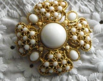 Vintage Flower Brooch White Glass In Gold Tone Metal Filigree