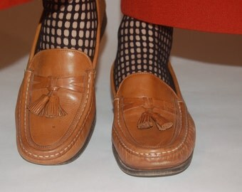 Cole Haan Tassel Loafers Tan 90s size 6