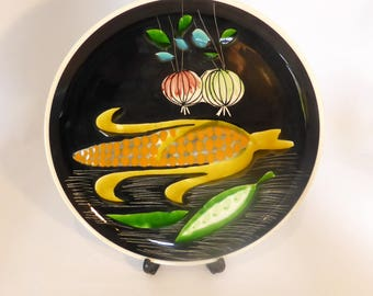 Vintage Italian wall/decorative plate with vegetable design