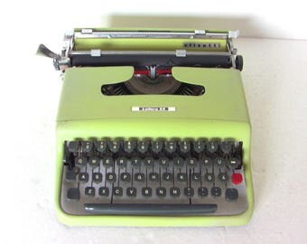 Lettera 22 Lime Green Typewriter Olivetti Portable Typewriter Qwerty Working New Ribbon Light Weight 50's Chartreuse Yellow