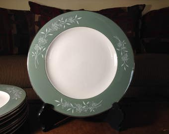 Syracuse Fine China CandleLight Dinner Plates