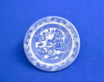 Spode Blue Willow Brooch