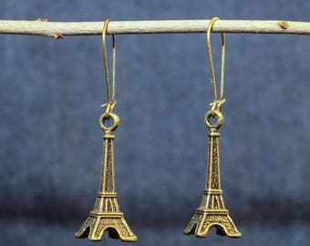 Vintage of bronze earrings with Eiffel Tower