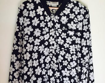 Vintage Black and White Floral Lightweight Jacket