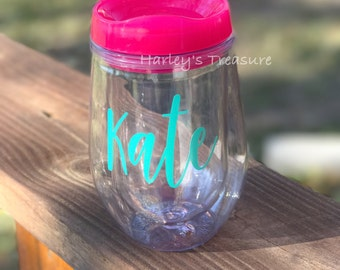 Personalized Wine Tumbler, Personalized Wine Glasses, 10oz Wine cup, Gift for her, Bridal Party, Girls Weekend trip, Name tumbler, Cruise