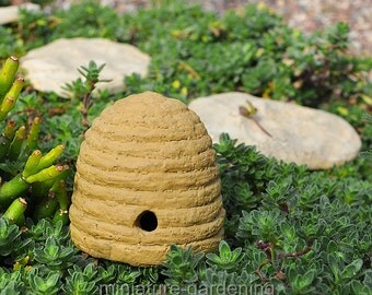 Bee Skep Pick for Miniature Garden, Fairy Garden