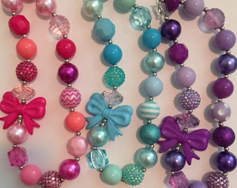 Bow chunky necklace