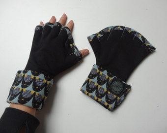 original webbed gloves adult penguins pattern
