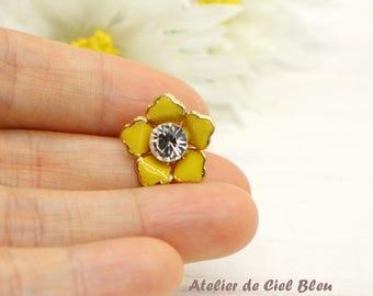 Flower Charm, Flower Cabochon, Flower Flatback Cabochon, Gold Plated Yellow Enamel Flower, Decoration for Crystal Clay, Embellishment,