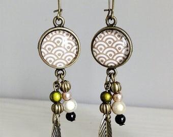 fancy earrings * Cheyenne * Green Khaki beige feather, glass cabochon, bronze