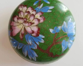 Vintage cloisonne lidded box  // Chinoiserie // tree and blossom // Asian box // Chinese motif // emerald green // cerulean