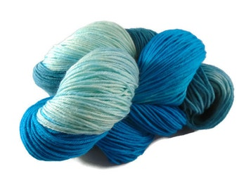 Luxury hand dyed 4 ply merino - nylon sock yarn. Indie dyer, Teal. Turquoise. 100g. 400m. Lady Anne.