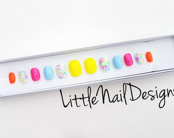 Hand Painted Neon Glitter Cute False Nails