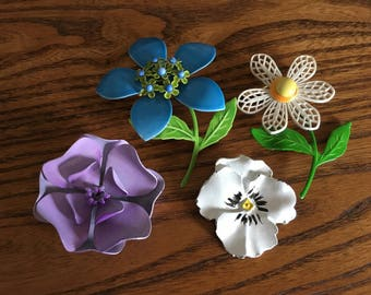 Lot of Vintage of Colorful Metal Flower Brooches  1196