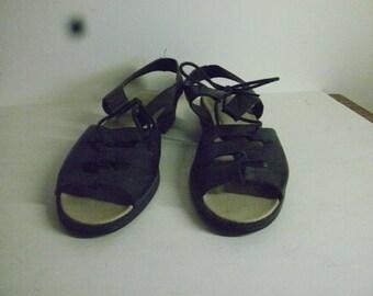 Vintage Retro 70's style black sandals size 8.5
