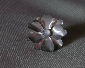 Vintage Statement Moonstone Flower Silver Tone Alloy Adjustable Ring ca. 1970's