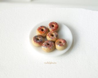 Miniature Doughnuts, Miniature sprinkles doughnuts, Dollhouse food, 1:12 doughnuts, Polymer clay food (set of 6) - Dollhouse miniature food
