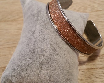 Sparklinkg brass cuff bracelet!