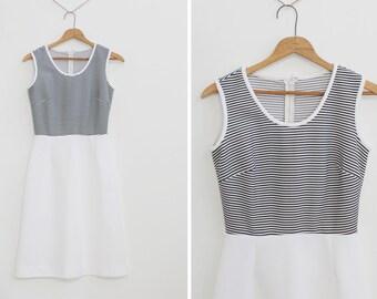 Vintage 60s  Mod Polyester Shift Dress Size Small