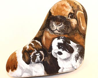 Rabbit painting, painted rocks, Easter gift idea, rabbits painted on rock, holland lop rabbits, garden decor, rabbit collectible, rabbit art