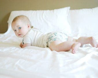 18-24m // Vintage vines and lace bloomers //