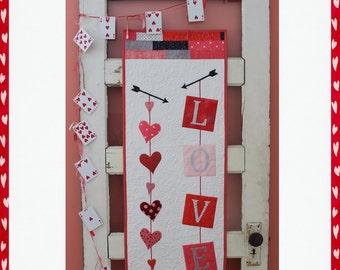 LOVE door/wall hanging    Paper pattern