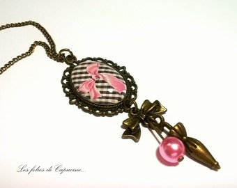 Cabochon necklace. • bow pink •