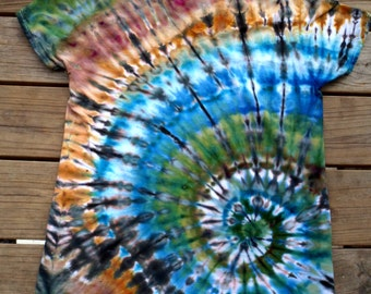 M Vneck Down to Earth Spiral Ice Tie Dye