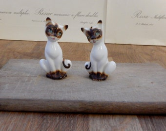 Vintage Cat Salt and Pepper pots, Salt and Pepper Shakers, Cruet sets, condiment sets,. Good Condition,Retro,Boho, Shabby chic