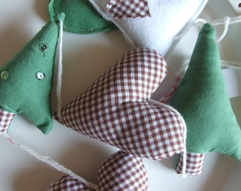 Girlande Weihnachten Herzen Kiefer Bäume weiß grün braun karierte Tartan Cottage wohnen Bauernhaus Stil Ornamente Deko Geschenk funkeln
