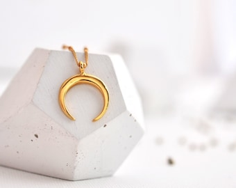 Horn Necklace, Gold Horn Necklace, Gold Crescent Necklace, Double Horn Necklace, Boho Horn Necklace, Gift For Her, Moon Necklace, Crescent