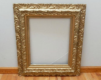 antique wooden picture framelarge picture framevictorianornatehome decorwall decorpainted old gold