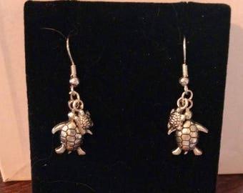 Mom & Baby Turtle earrings