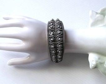 Silver bracelet / Bracelet Vintage / ethnic Bracelet in silver/jewelry/antique silver jewelry / Bohemian/Hippie jewelry