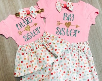 Big Sister Little Sister outfits | Family Pictures | Matching Sister Outfits | Big Sis Little Sis tops | Sibling outfits