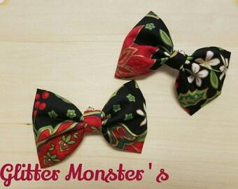 Christmas Holly Bow Tie, Boys Christmas Tie in Cotton, Christmas Themed Bow Tie, Christmas Wedding,Ring Bearer Tie, Groomsmen Tie