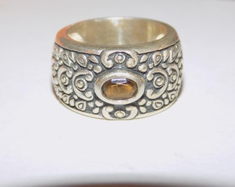 Heavy sterling silver band ring size 6.25 with citrine gemstone