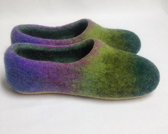 Women house shoes, Felted wool slippers, woolen clogs, handmade slippers, Mothers day gift